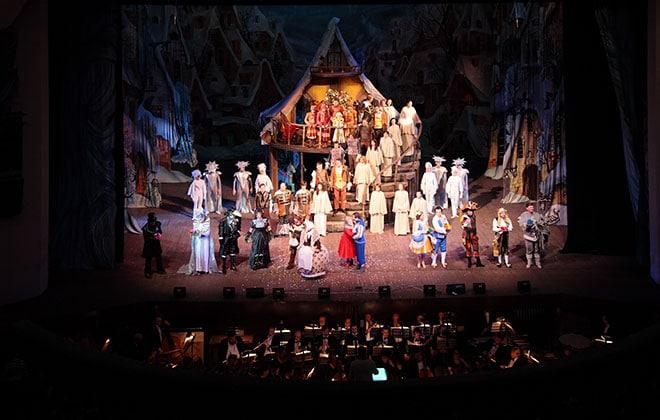 Enjoy_the_Performances_at_Arkansas_Public_Theater